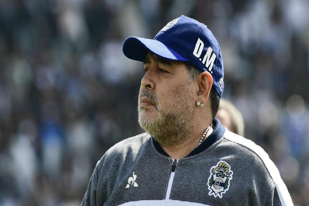 https://regista.gr/wp-content/uploads/2020/11/diego-maradona.jpg