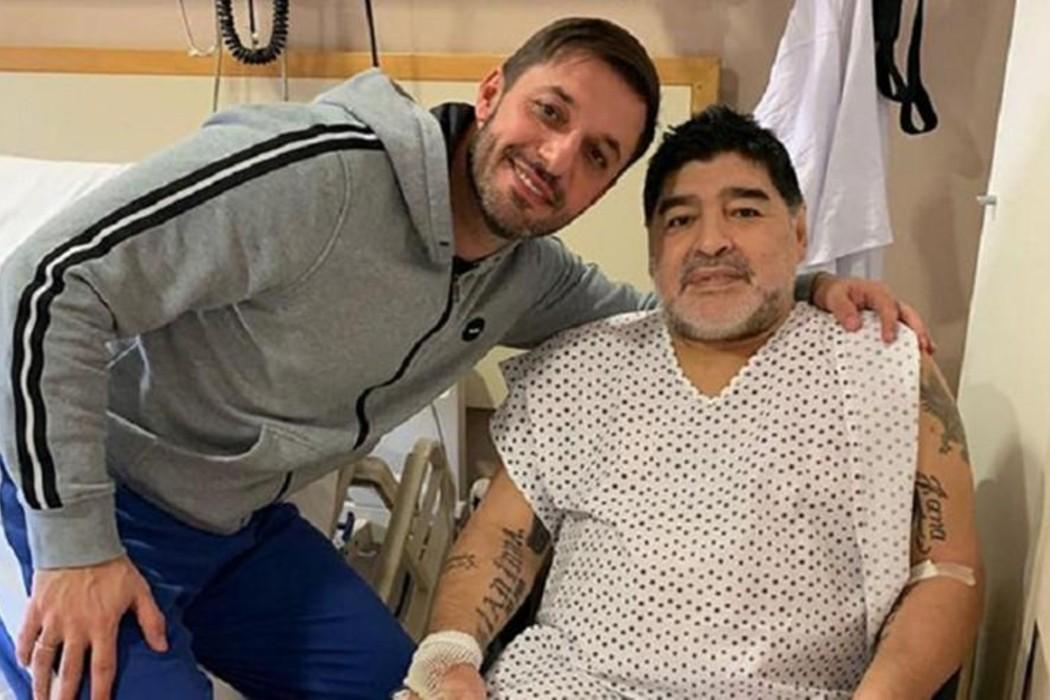 https://regista.gr/wp-content/uploads/2020/11/maradona-1.jpg