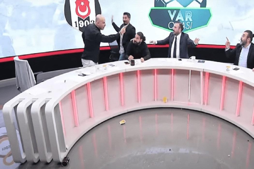 Τρομερός τσακωμός σε αθλητική εκπομπή της Τουρκίας με ιπτάμενα ποτήρια (vid)
